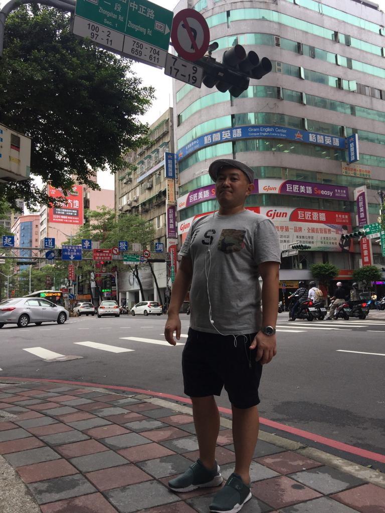 ▲ Hinson說台灣的高薪厚職難求,不少台灣人都往內地和新加坡工作。(圖片由受訪者提供)